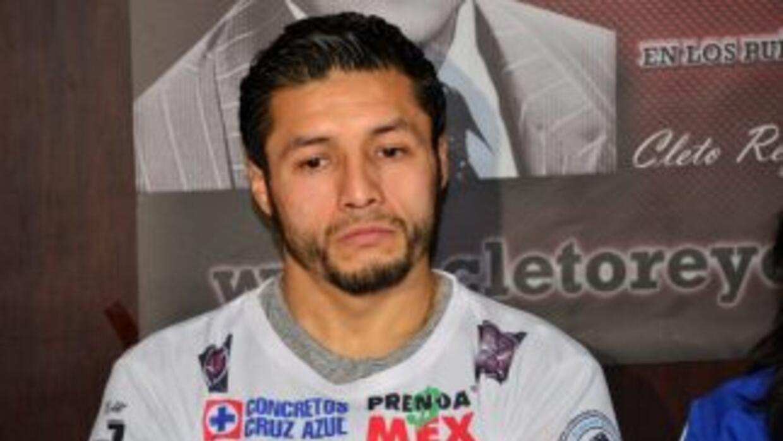 Jhonny González concentrado en Gary Russell (Foto cortesía Alma Montiel).