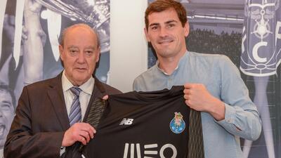 Iker Casillas renovó con el Porto y hasta se habría bajado el sueldo para quedarse