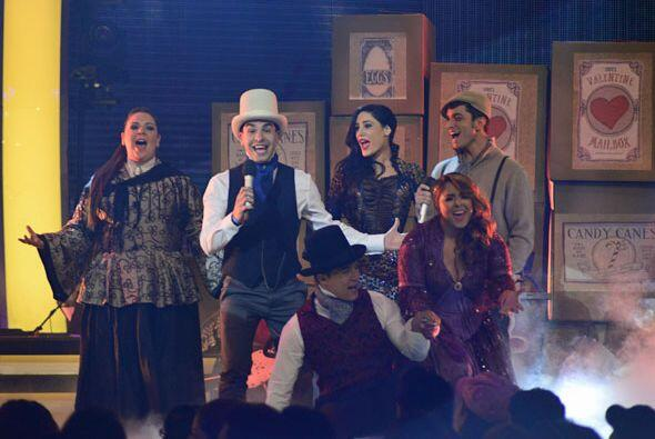 Los finalistas de Va Por Ti dieron un gran número musical para festejar...