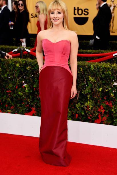 Melissa Rauch, de 'The Big Bang Theory', con un inusual pero lindo color.