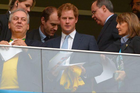 Con todo y su agenda, el príncipe Harry solo pudo presenciar dos partido...