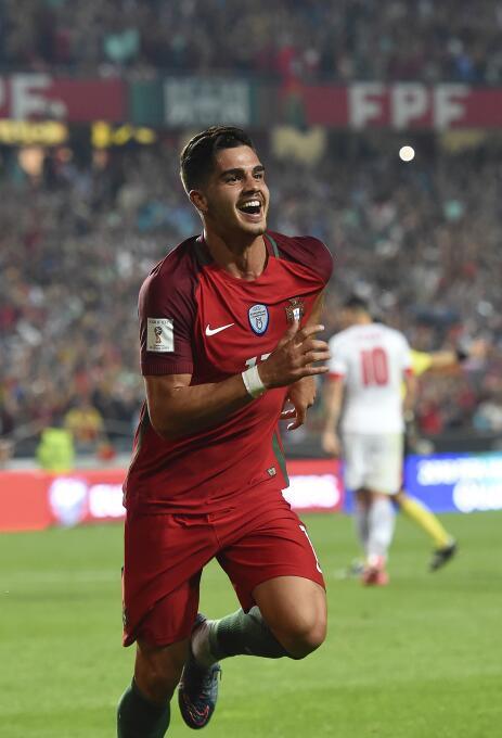 André Silva - 21 años (Portugal / A.C. Milan)