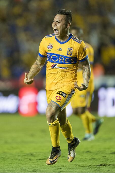 De la mano de Eduardo Vargas, Tigres derrotó a Lobos BUAP Eduardo Vargas...