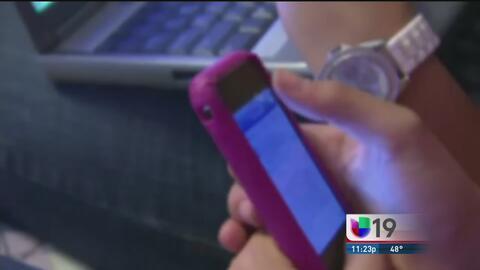 """Alertan a padres de familia sobre riesgos del """"sexting"""""""