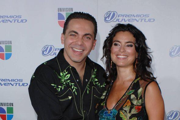 En 2007 Cristian Castro apareció de la mano de Valeria Liberman sobre nu...