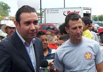 Su visita fue para trabajar con la estación local de Univision.