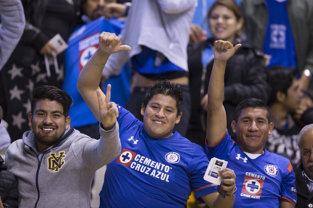Porristas y fanáticos de Cruz Azul y Atlas en Copa MX 20180207-2288.jpg