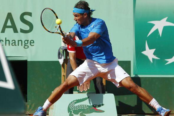 El número uno mundial y defensor del título, el español Rafael Nadal, ju...