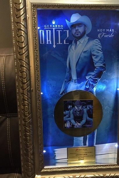 Ahora sí, Gerardo Ortiz ganó su primer Disco de Oro en México, gracias a...
