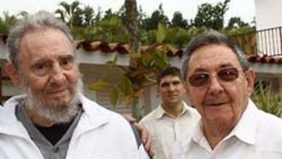 Raúl Castro y Fidel en una de las últimas fotos publicadas del ex mandat...