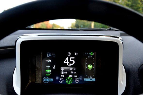El manejo del Chevy Volt es comparable con cualquier otro auto con motor...