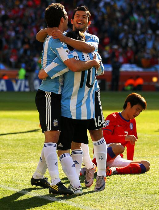 Juntos en la Copa Munidal 2010:  Lionel Messi, Gonzalo Higuaín y Sergio...
