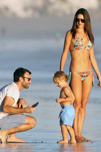 El prometido, Jamie Mazur, estuvo muy atento en tomar fotos a sus niños