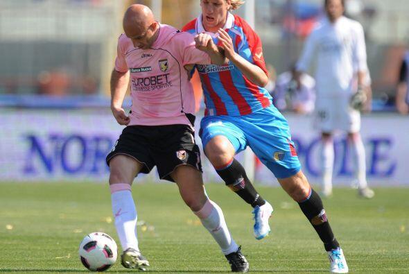 El Catania aprovechó el mal paso de sus rivales.