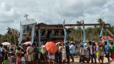 Más de 392 mil personas están viviendo en los mil 587 centros de evacuac...
