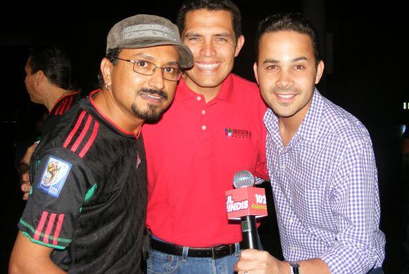 Y reporteros de  Univision 45.