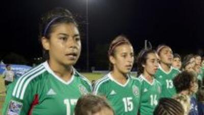 Las chicas del equipo Sub 17 debutaron ganando 4-0.