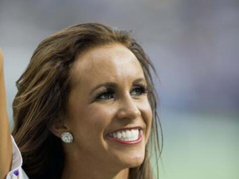La chica más dulce, bailadora y candente de los Minnesota Vikings...