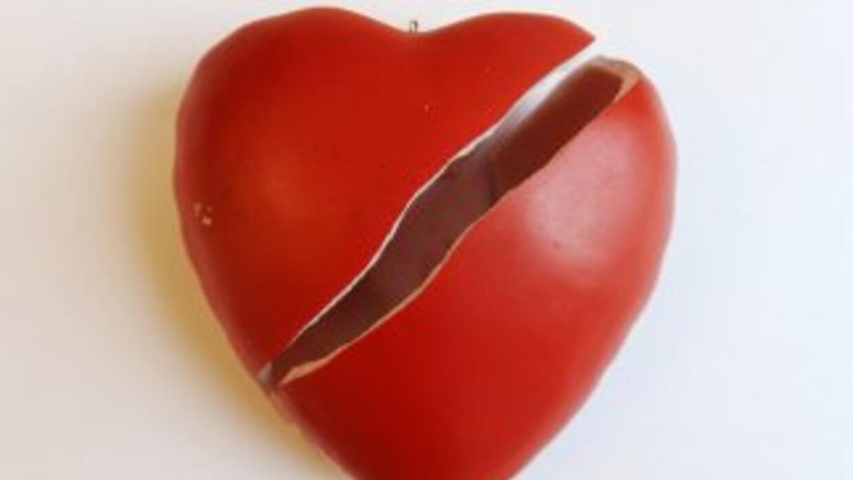 Sentirse rechazado por otra persona puede romper el corazón, tanto en se...