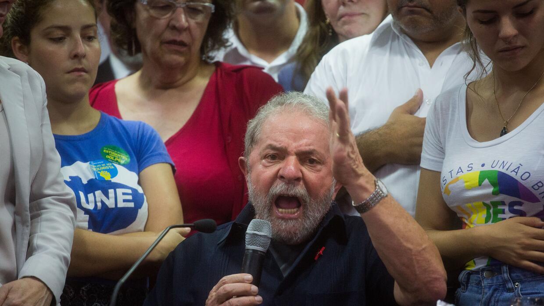 Tras su liberación, Lula dijo que no se merecía el trato que le dieron.