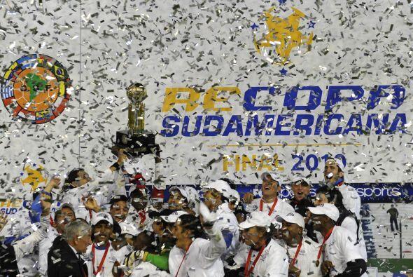 En este compacto de los campeones de Sudamérica no podía faltar Liga de...