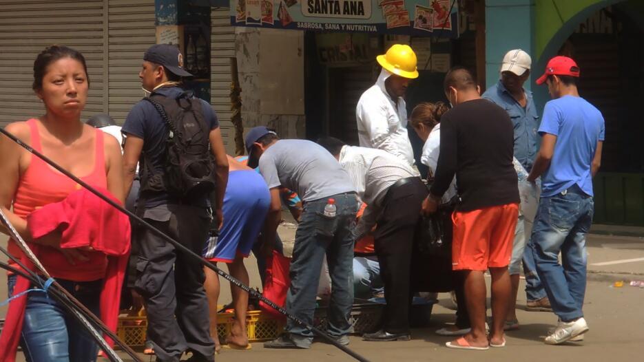 Desesperación y ruinas en la costa ecuatoriana tras el terremoto DSCN217...