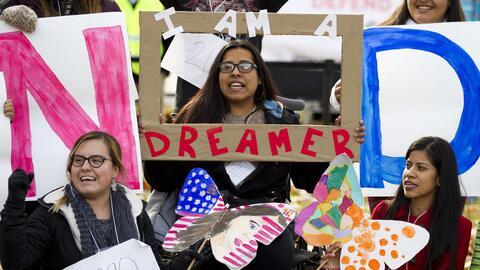 Manifestantes durante una protesta a favor de DACA en Washington, D.C. e...