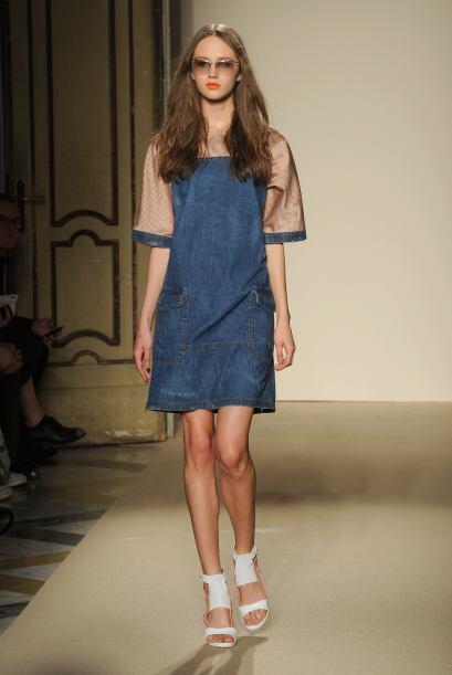 El azul índigo es el color clásico de esta prenda. Úsalo en un vestido '...