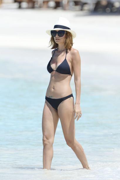 Nicole Richie es una de las famosas que le encanta presumir su cuerpo co...