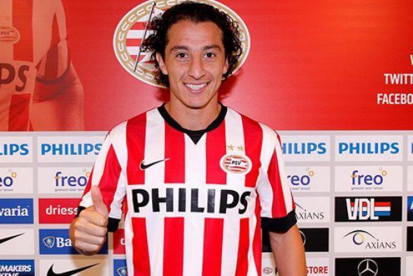 Andrés Guardado es el tercer mexicano que se pone la camisa del PSV tras...