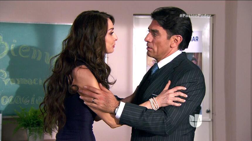 ¡Julia le confesó su secreto a Arturo! BCE6F32C1AB5421DB4AAA489EF286DA5.jpg