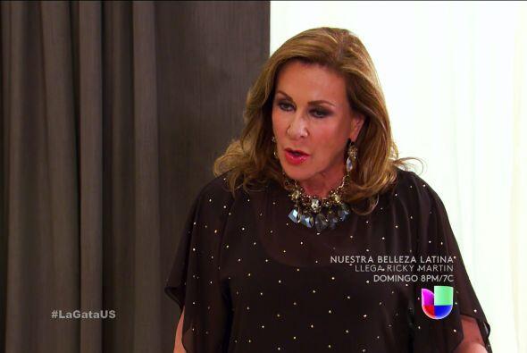 Prepárese doña Lorenza, don Fernando no descansará hasta verla tras las...