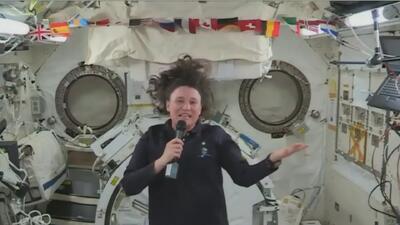 Desde el espacio, astronauta latina habla con estudiantes de Florida