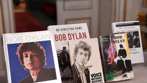 Libros publicados por el cantautor Bob Dylan, galardonado con el Nobel d...