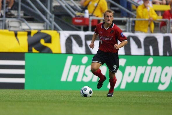 Año 2001: El actual DT de New York City FC, Jason Kreis, empató el parti...