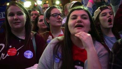 Jóvenes partidarios de Bernie Sanders en Des Moines, Iowa.