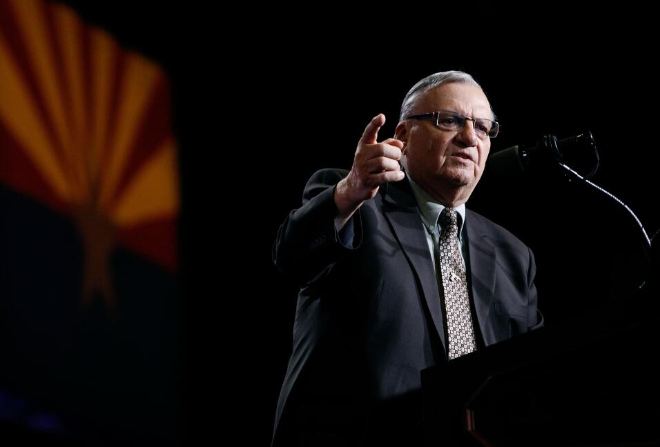 White House readying paperwork to pardon controversial Sheriff Arpaio Ge...