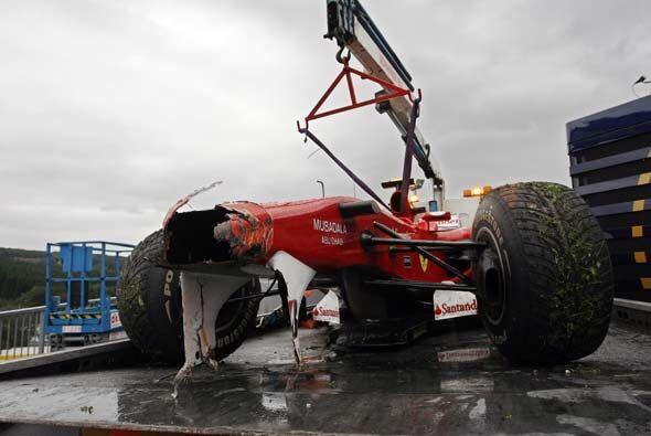 Faltando 7 vueltas para el final Alonso tuvo que abandonar por lo que no...