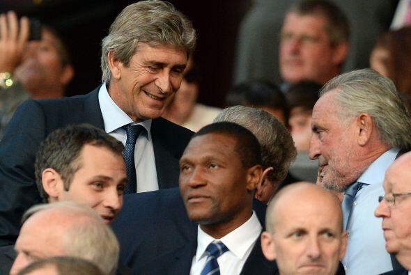 Manuel Pellegrini, técnico del Manchester City, se dio tiempo para ver j...