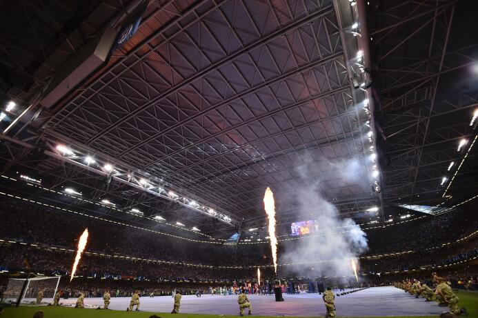 La agrupación musical se lució con sus éxitos en el Millennium Stadium p...