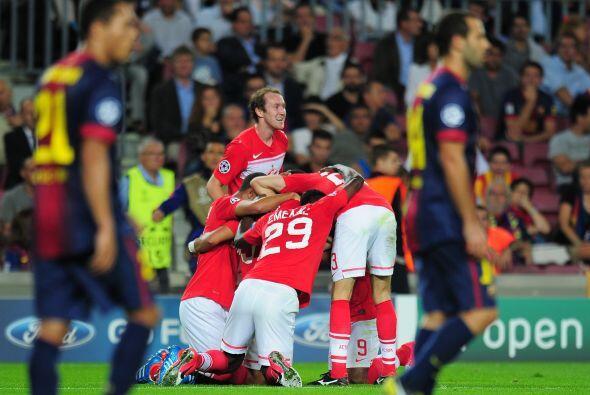 Y un descuido de los españoles les costó el empate, cuando un centro fue...