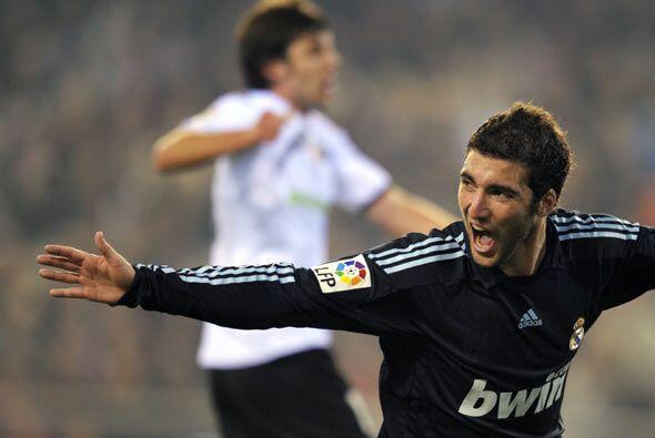 Higuaín adelantó al Real Madrid el comienzo de la segunda parte.