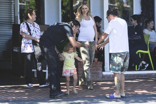 Heidi Balvanera y Jaime Camil salieron de compras en Los Angeles.