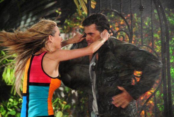 En el reto de actuación, la cubana hizo el papel de la amante del milita...