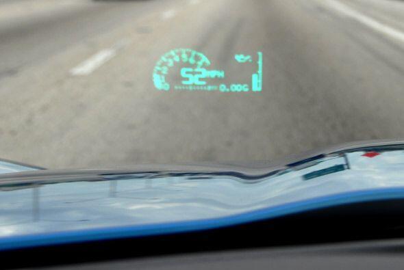 Su espíritu deportivo se nota en detalles como el indicador de velocidad...