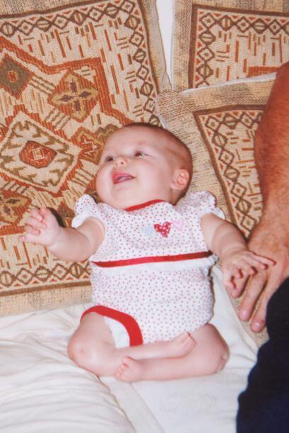 Rosie nació con una rara condición de la espina dorsal y por eso no tení...