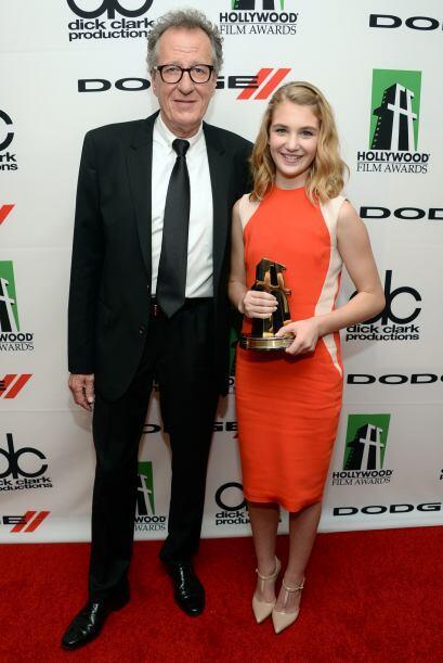 """Geoffrey Rush con Sophie Nellise, quien obtuvo un premio especial por """"T..."""