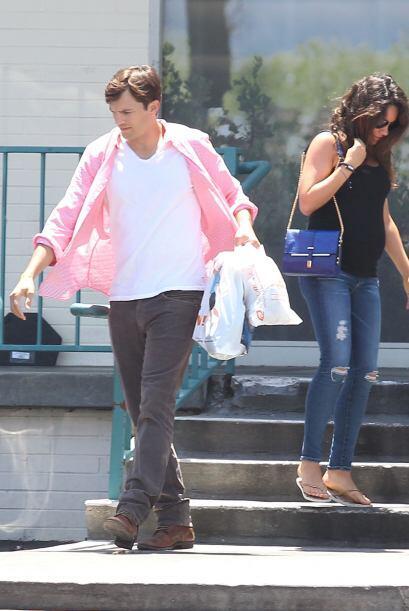 Ashton Kutcher y Mila Kunis ya casi son padres.Mira aquí los vide...