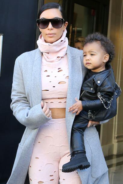 También la han criticado por la ropita que le pone a su nena.