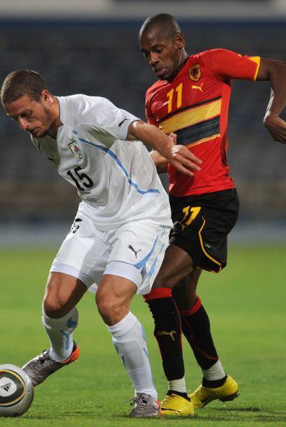 Edison Cavani y Abel Hernández anotaron para el equipo sudamericano que...